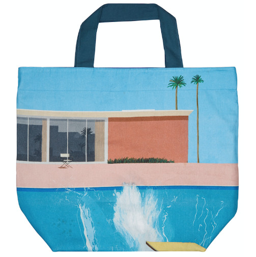 8b43041de8 Make the biggest splash at the pool this year with the artistic beach bag  featuring David Hockney s iconic painting