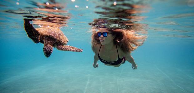 Think Outside The box >>> Rheos Gear Floating Sunglasses #innovation / see more @www.rheosgear.com … also anti-fog coating. FACEBOOK | INSTAGRAM Rheos Gear Floating Sunglasses Floating Sunglasses When looking for […]