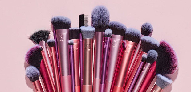 Designed with pro makeup artists Sam + Nic Chapman, Real Techniques brushes combine high-tech materials with innovative design ABOUT REAL TECHNIQUES Designed with pro makeup artists Sam + Nic Chapman, […]