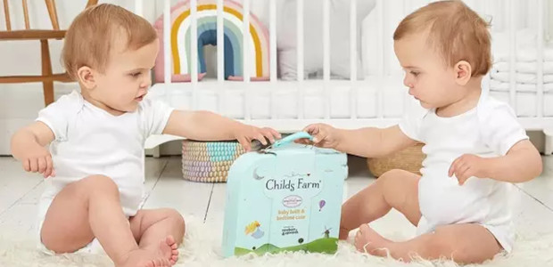 CHRISTMAS GIFTING FOR KIDS FROM CHILDS FARM > www.childsfarm.co.uk Childs Farm Hand Care Tin, RRP £15 Give the gift of soft hands this Christmas with Childs Farm's Handcare Tin. With […]