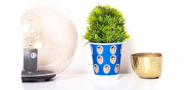 Cool Pots >>> Personalised Ceramic Plant Pot… coolpots.co.uk One is a quirky personalised plant pot from Cool Pots where you can upload a photo to put your dads face on […]